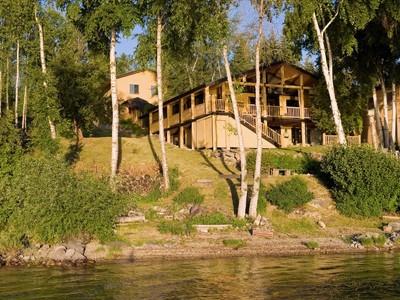 Vivienda unifamiliar for sales at Charming Whitefish Lake Home 1412 W Lakeshore Drive  Whitefish, Montana 59937 Estados Unidos