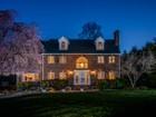 단독 가정 주택 for  sales at Gorgeous Colonial 14 McTaggart Street Westborough, 매사추세츠 01581 미국