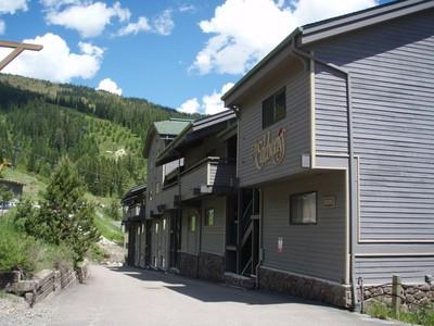 共管物業 for sales at Ski in/out Condo 3898 Big Mountain Rd Edelweiss unit #221 Whitefish, 蒙大拿州 59937 美國
