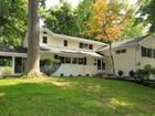 Maison unifamiliale for  sales at Sleepy Hollow Manor Split Level On Cul-De-Sac 10 Birch Close   Sleepy Hollow, New York 10591 États-Unis