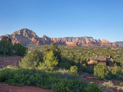 Земля for sales at Mesmerizing Redrock Views 3282 Calle Del Montana Sedona, Аризона 86336 Соединенные Штаты