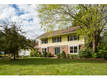 Maison unifamiliale for sales at Stunning Colonial - West Windsor Township 4 Kingsley Court   Princeton Junction, New Jersey 08550 États-Unis