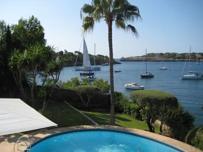 Apartamentos multi-familiares for sales at Seafront Villa in Porto Petro  Porto Petro, Palma De Maiorca 07691 Espanha