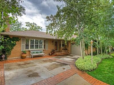 Nhà ở một gia đình for sales at Elegant Rambler 2052 Browning Ave Salt Lake City, Utah 84108 Hoa Kỳ