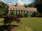 Casa para uma família for  sales at Contemporary with Tennis Court and 900' on Windmere Lake 55 Stratford Rd.   New Marlborough, Massachusetts 01230 Estados Unidos