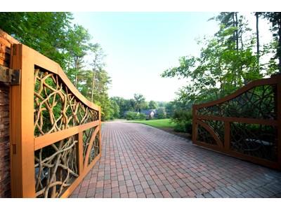 Casa para uma família for sales at Beautiful Home, Lake Lanier, Flowery Branch 6003 Overby Rd Flowery Branch, Geórgia 30542 Estados Unidos