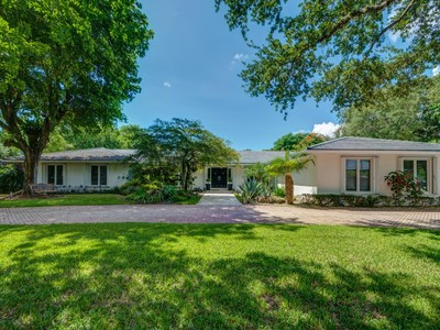 独户住宅 for sales at 4990 SW 80 ST   Miami, 佛罗里达州 33143 美国