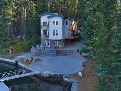 단독 가정 주택 for sales at Amazing Location on Spokane River 8817 W RIVERVIEW DR Coeur D Alene, 아이다호 83814 미국