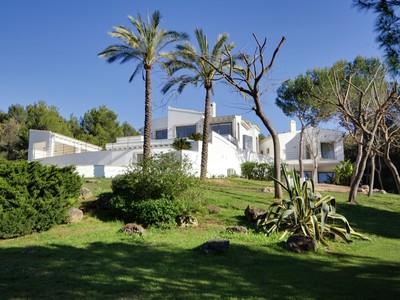Nhà ở nhiều gia đình for sales at Modern villa in the heart of Santa Ponsa Golf  Santa Ponsa, Mallorca 07180 Tây Ban Nha