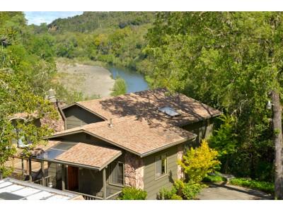 Maison unifamiliale for sales at Russian River Frontage 2429 Rio Lindo Avenue Healdsburg, Californie 95448 États-Unis