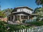 Maison unifamiliale for  sales at 1233 Harvard Avenue  Claremont, Californie 91711 États-Unis