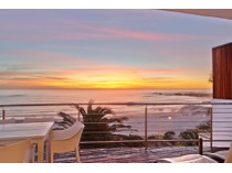 """Căn hộ for sales at """"SEASONS FIND"""" sensational beach front apartment  Cape Town, Western Cape 8005 Nam Mỹ"""