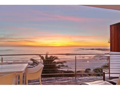 "Apartamento for sales at ""SEASONS FIND"" sensational beach front apartment  Cape Town, Western Cape 8005 África Do Sul"