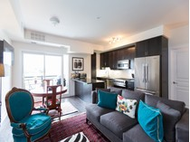 Condominio for sales at Wyndham Place 128 Garden Drive, #414   Oakville, Ontario L6K2W4 Canadá