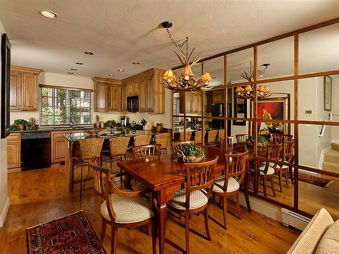 Condominio for sales at Immaculate 3 Bedroom Core Townhome 631 S Galena Street Unit #14 Aspen, Colorado 81611 Stati Uniti