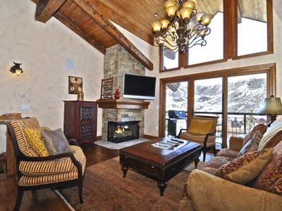Villetta a schiera for sales at Location, Location, Location 400 Wood Road Unit 2209 Snowmass Village, Colorado 81615 Stati Uniti