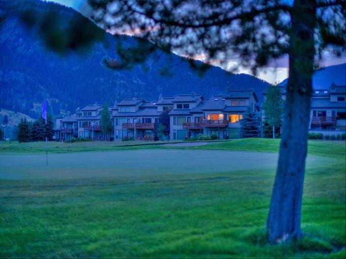 Condomínio for sales at Park Condominiums 289 Yellowtail Rd Big Sky, Montana 59716 Estados Unidos