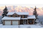 Casa para uma família for sales at Golden Residence with a View! 1417 Deer Ridge Golden, Columbia Britanica V01H0 Canadá