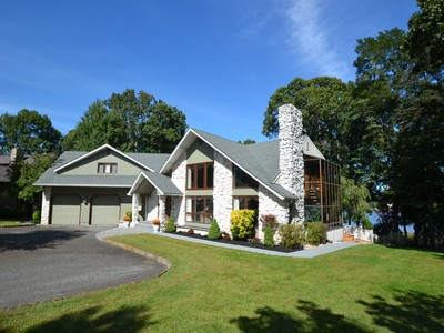 Casa para uma família for sales at Spectacular Waterfront Estate 608 Winding River Road  Brick, Nova Jersey 08724 Estados Unidos