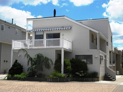 Maison unifamiliale for sales at OCEAN BREEZE 8 East 86th Street  Harvey Cedars, New Jersey 08008 États-Unis