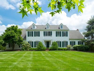 Maison unifamiliale for sales at Luxurious and Spacious in Princeton's Ettl Farm 43 Ettl Circle Princeton, New Jersey 08540 États-Unis