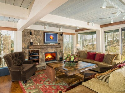Nhà chung cư for sales at Top of the Village Slop 103 855 Carriage Way Slope 103  Snowmass Village, Colorado 81615 Hoa Kỳ