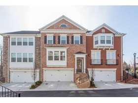 Townhouse for sales at Rare Open Concept 7203 Lowery Oak Drive Roswell, Georgia 30075 United States