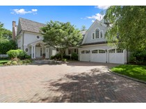 Einfamilienhaus for sales at Superb Traditional 19 Bay Road   Quogue, New York 11959 Vereinigte Staaten