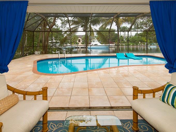 Частный односемейный дом for sales at Wonderful Canal Front Home at Ocean Reef 17 Grayvik Drive Key Largo, Флорида 33037 Соединенные Штаты