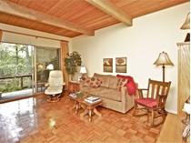 Condominio for sales at Charming, Easy and Accessible 84 Madrone Avenue #19   San Anselmo, California 94960 Stati Uniti