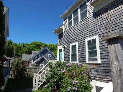 共管物業 for sales at Downtown Condominium 18 Standish Street, Unit A Provincetown, 麻塞諸塞州 02657 美國