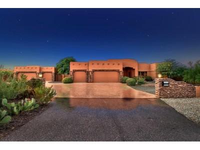 Casa para uma família for sales at Gorgeous Custom Built Home On A Premium End Of Cul-de-Sac 1+ Acre View Lot 34111 N 2nd Lane  Phoenix, Arizona 85085 Estados Unidos