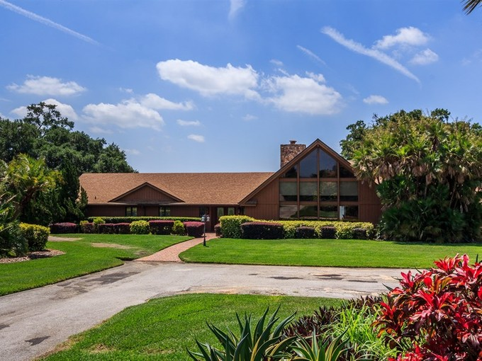 Einfamilienhaus for sales at Winter Haven, Florida 2415 Winterset Road   Winter Haven, Florida 33884 Vereinigte Staaten