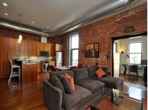 Eigentumswohnung for sales at Premier Penthouse Corner Unit 125 B Street Unit 4D  South Boston, Boston, Massachusetts 02127 Vereinigte Staaten
