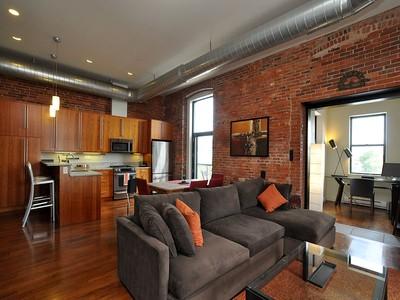 Nhà chung cư for sales at Premier Penthouse Corner Unit 125 B Street Unit 4D Boston, Massachusetts 02127 Hoa Kỳ