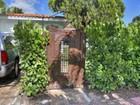 Casa para uma família for  sales at MID GOLF SUB 2489 N Meridian Ave   Miami Beach, Florida 33140 Estados Unidos