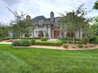 Casa Unifamiliar for  sales at 200 Loganberry Court  Louisville, Kentucky 40207 Estados Unidos