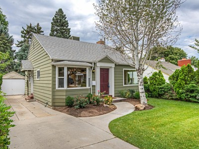 Single Family Home for sales at Perfect cottage, perfect walkable neighborhood and 3 spacious bedrooms 1568 Roosevelt Ave Salt Lake City, Utah 84105 United States