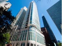Appartement en copropriété for sales at Striking Cityscape Views! 50 E Chestnut Street Unit 2301   Chicago, Illinois 60611 États-Unis