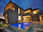 Casa Unifamiliar for  sales at Style and Sophistication Unite  Somerset West, Provincia Occidental Del Cabo 7630 Sudáfrica