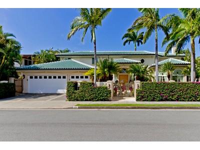 Maison unifamiliale for sales at Classic Kahala 628 Honua Street   Honolulu, Hawaii 96816 États-Unis