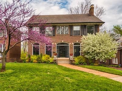 Maison unifamiliale for sales at Premier University City Location 7033 Maryland Avenue University City, Missouri 63130 États-Unis