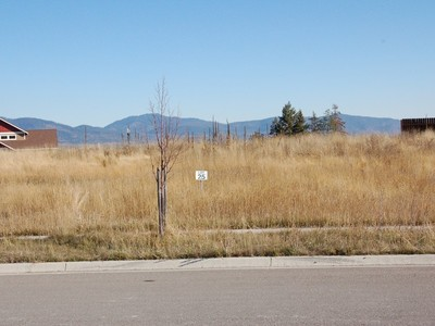 Land for sales at Level Lot with Mountain Views 217 Granite Drive Whitefish, Montana 59937 United States