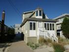 Nhà ở nhiều gia đình for  sales at Charming Beach House 7 Kerr Ave Lavallette, New Jersey 08735 Hoa Kỳ
