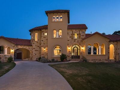 Nhà ở một gia đình for sales at Luxurious Bee Creek Estates Home 19217 Sean Avery Path Spicewood, Texas 78669 Hoa Kỳ