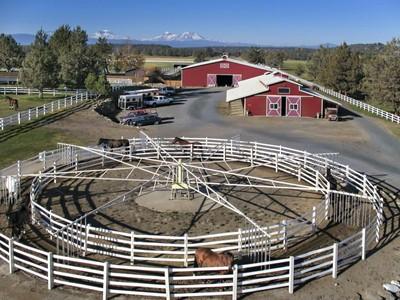 Nhà ở một gia đình for sales at Future Street Farm - Premiere Equestrian Estate 19810 JW Brown Rd Bend, Oregon 97701 Hoa Kỳ