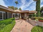 Casa para uma família for sales at Beautifully Updated Arcadia Property in Soft Contemporary Style 4565 E Lafayette Blvd  Phoenix, Arizona 85018 Estados Unidos
