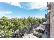 Apartamento for sales at Exclusivo apartamento en primera línea de mar con impresionantes vistas. Barcelona City, Barcelona España