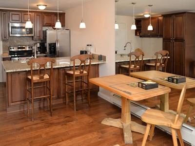 Kat Mülkiyeti for sales at Sandstone 70, #7 903 N. Frontage Road W., #7 Vail, Colorado 81657 Amerika Birleşik Devletleri