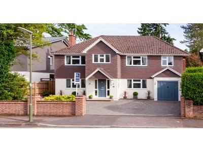 Maison unifamiliale for sales at 34 Mayfield Road  Other England, Angleterre KT138XB Royaume-Uni